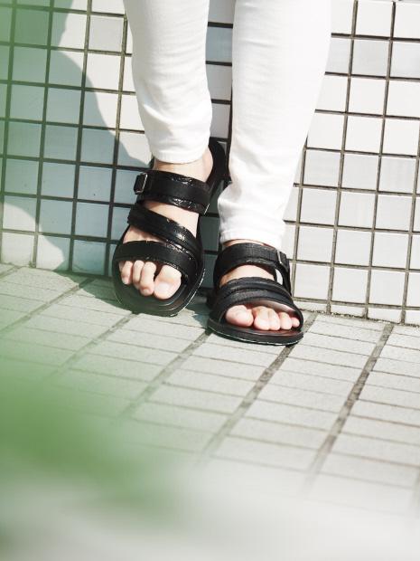 【イタリー製】レザーサンダル