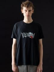 5351POUR LES HOMMES - ヴェノムロゴ フィットTシャツ