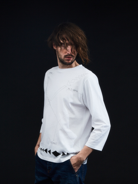 ノマドロングTシャツ