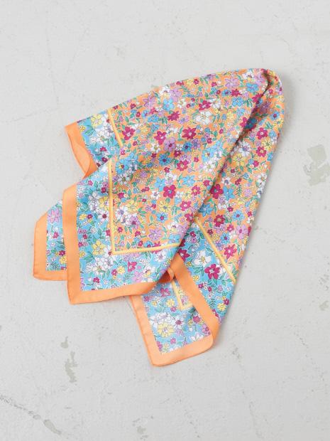 【9-22】小花柄プリントスカーフ