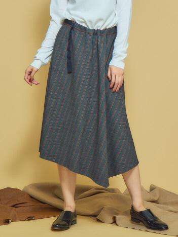 アシンメトリーフレアースカート