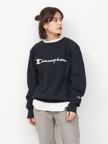 OUTLET (Ladie's) - Champion ロゴクルーネックスウェット