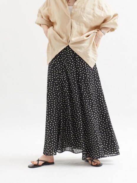 ドットプリントマキシスカート