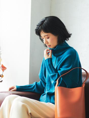 【WEB・一部店舗限定】バックスリットネップタートルニット