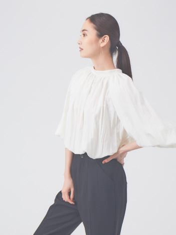 qualite - プリーツスタンドシャツ