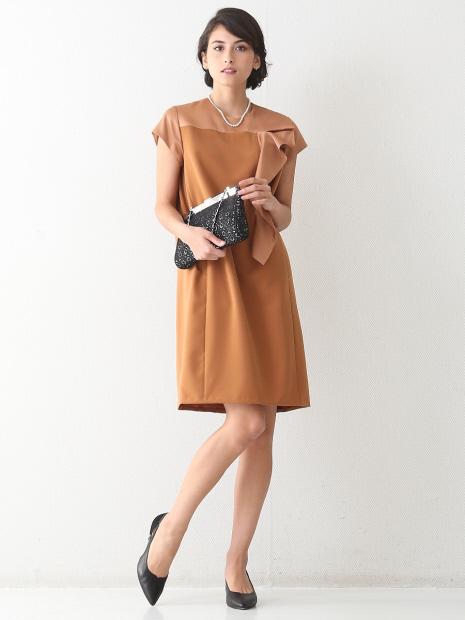 バックサテンフリル飾りドレス