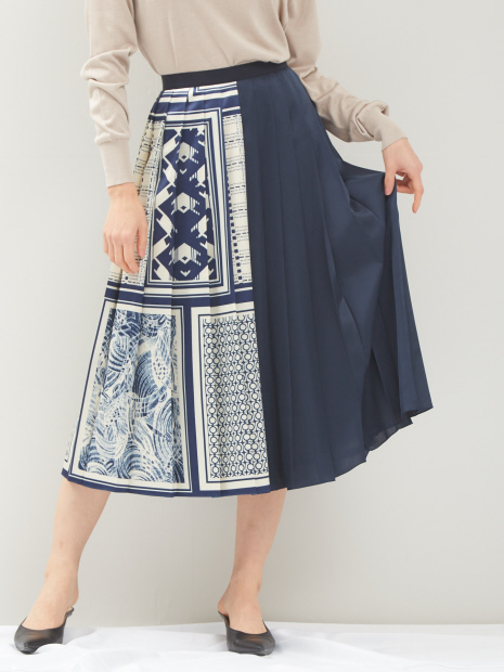 スカーフプリントプリーツスカート
