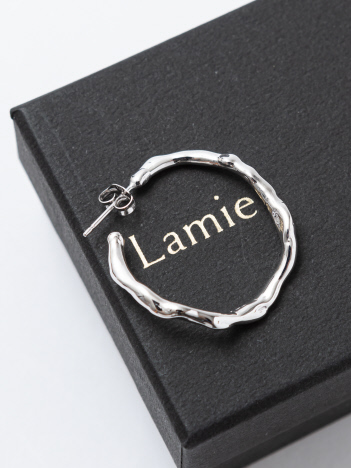 Lamie Melts ピアス M シルバー