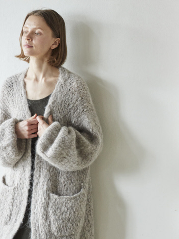 DESIGNWORKS (Ladie's) - WALANCE Alpaca hand knit cardigan