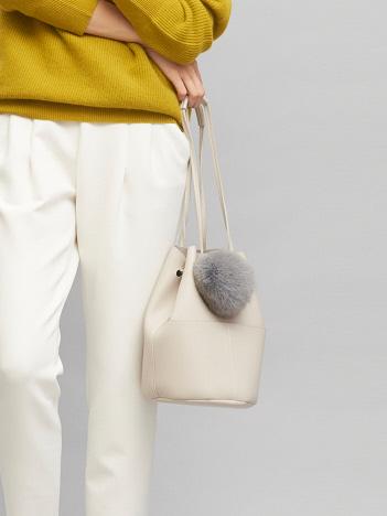 追加生産決定!【WEB別注】ポンポンファー巾着バッグ