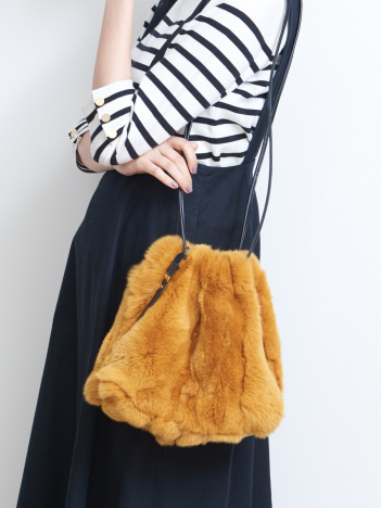 OUTLET (Ladie's) - 人気のグレー再入荷!レッキスファー巾着バッグ