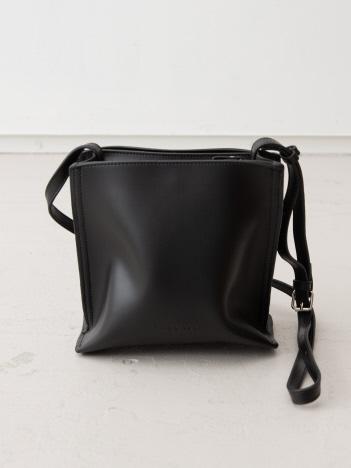 【WEB/一部店舗限定】【THE CASE 】スクエアボックショルダーバッグ