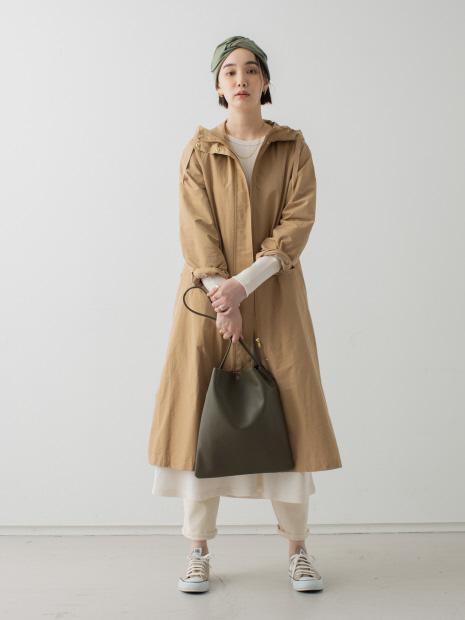 バックギャザーフード付きロングコート