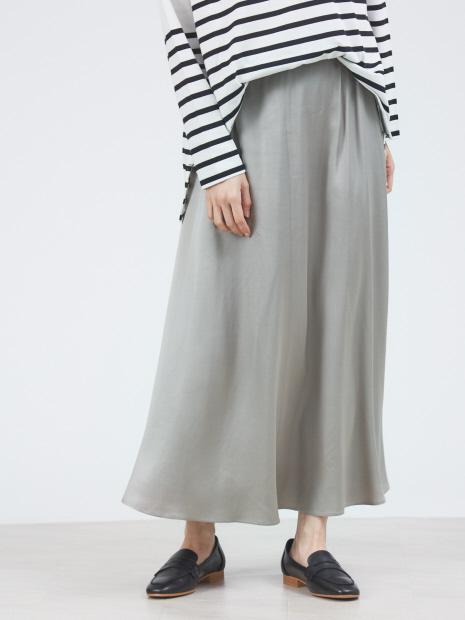 サテンフレアーロングスカート