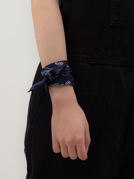 【Altea】バンダナ柄プリントスカーフ