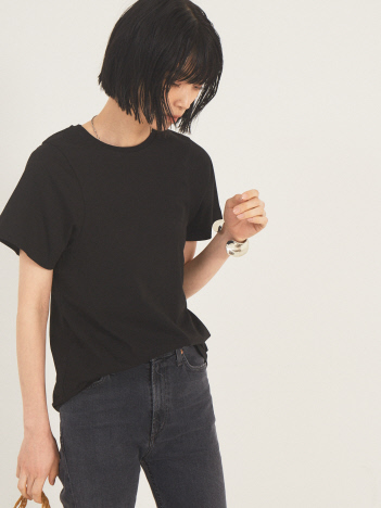 THE STORE by C' - 【TOTEME】CURVED SEAM TEE