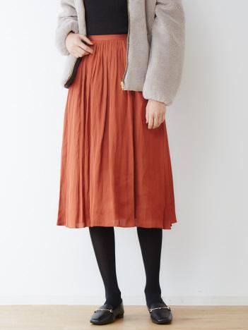 abahouse mavie - ecru モイストサテンプリーツスカート